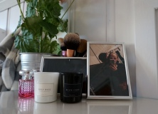 Candles by rituals, & perfume by Jimmy Choo in Blossom. Real techinques brushes.